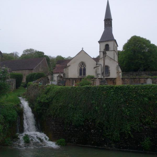 L'église et la cascade